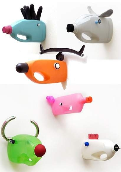 Funny, easy crafts that use discarded household items are some of my favorite things.  Make your own Faux Animal Head Taxidermy using detergent bottles, orange juice or milk jugs.  Kids get the biggest kick out of these!   Perfect for VBS or just a rainy day craft with the kids.